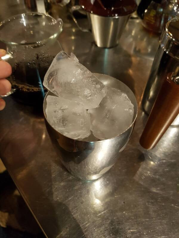 冰手沖冰塊